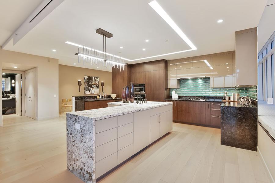 301 Mission PH1A Kitchen