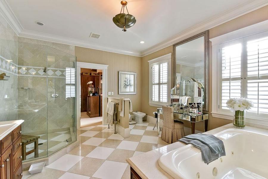 3444 Washington Street Bathroom