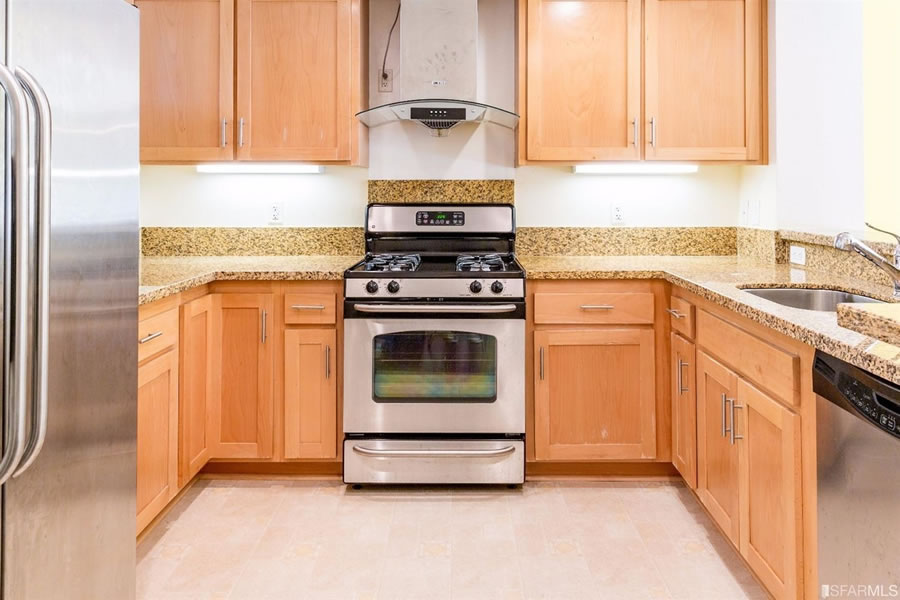 401 Crescent Court #4201 Kitchen