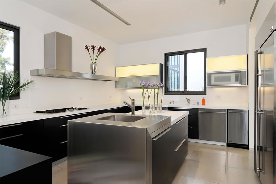 925 Addison Avenue - Kitchen