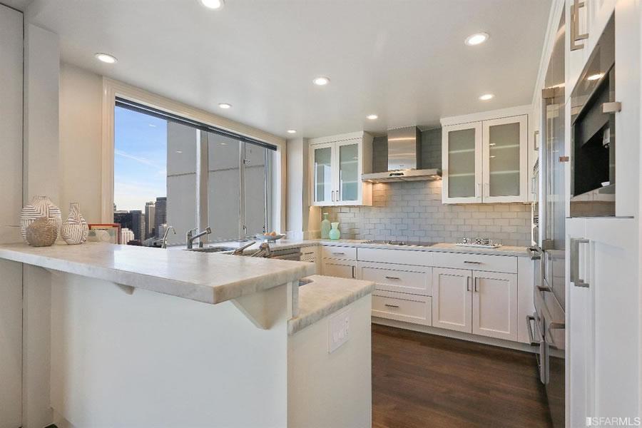 1750 Taylor #805 Kitchen