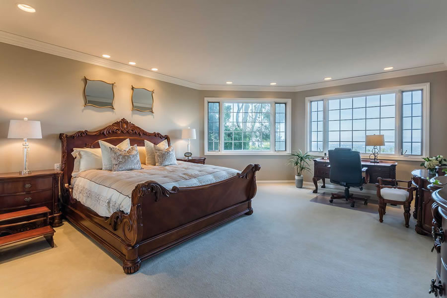 21449 Toll Gate Road Master Bedroom