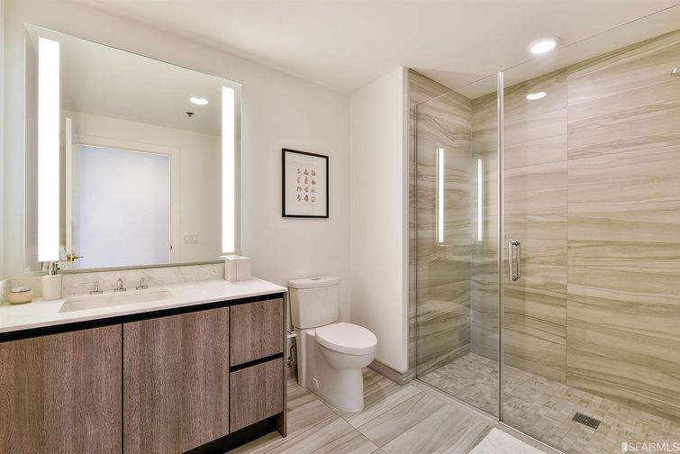 338 Main Street #D20H - Bathroom