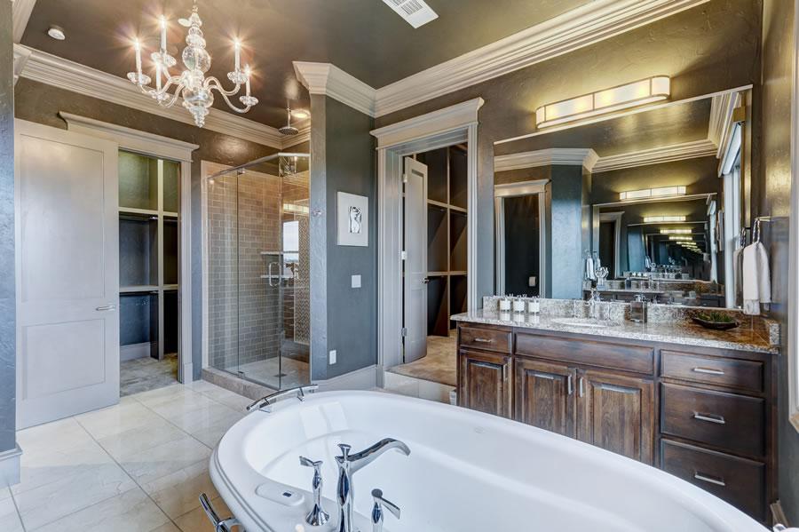 450 NE 2nd Street Master Bath