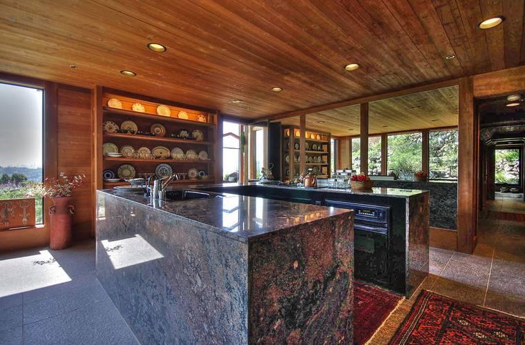 450 Ridge Road Kitchen