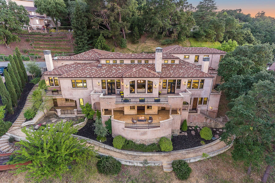 Steph and Ayesha Curry's East Bay Pad Officially Listed at a Loss