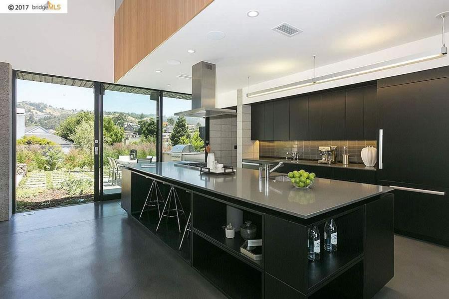 132 Alpine Terrace - Kitchen