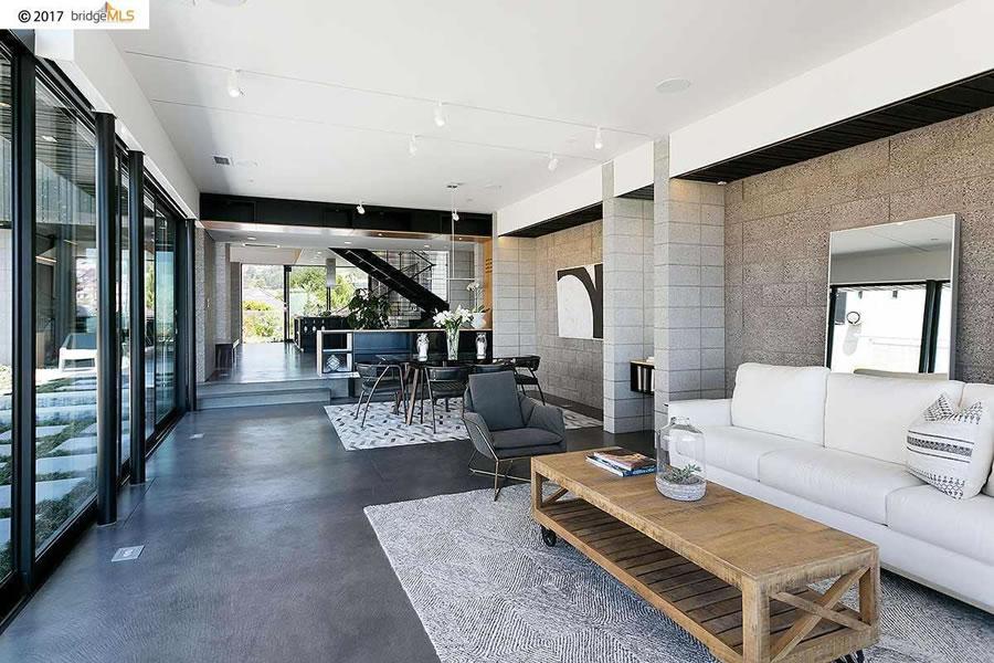 132 Alpine Terrace - Living