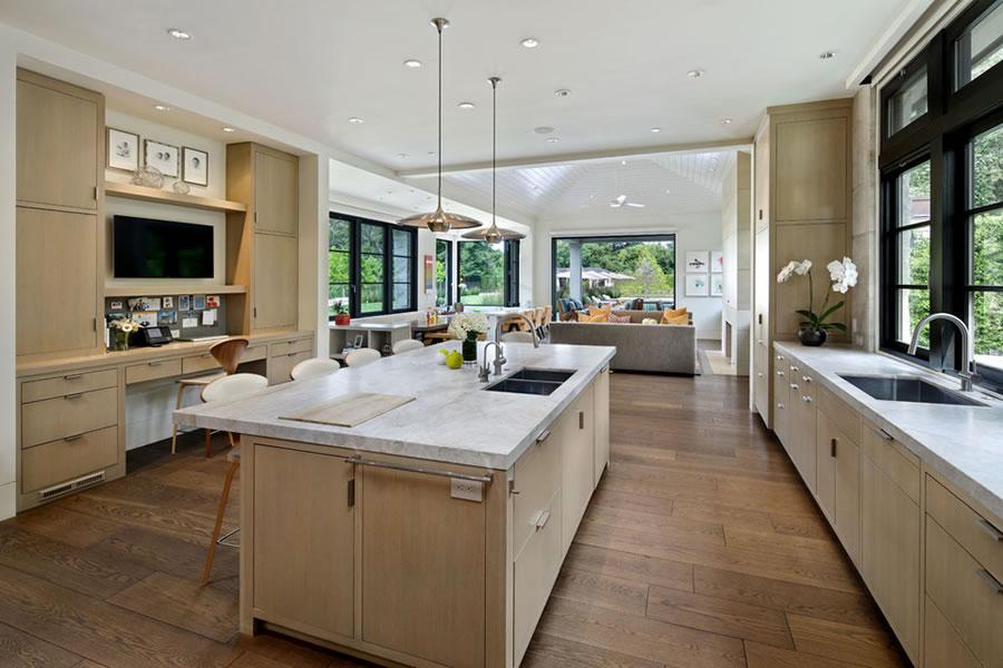 150 Almendral Avenue - Kitchen