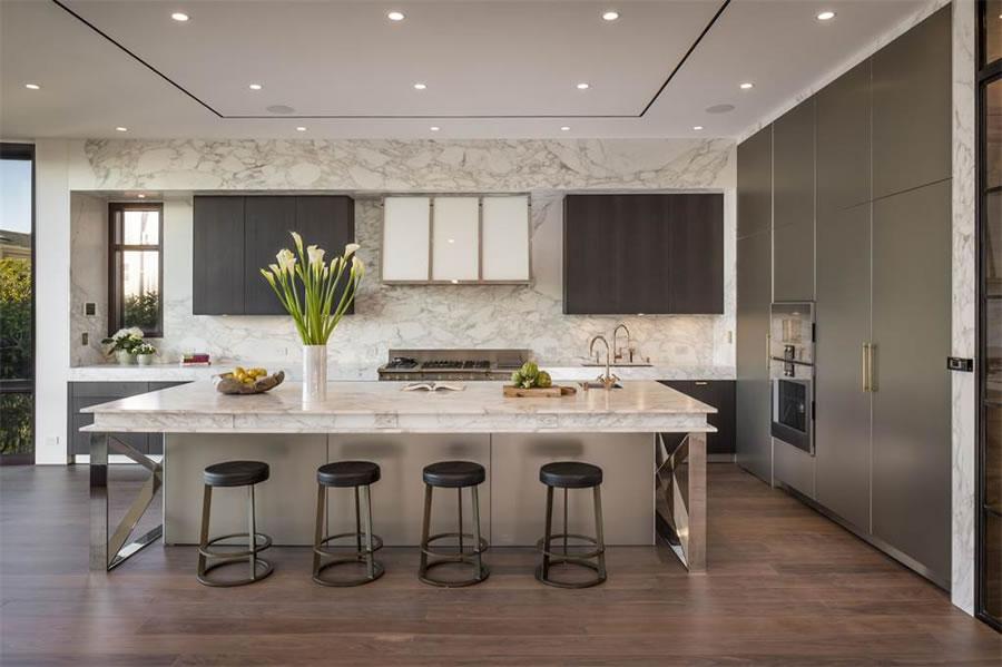2712 Broadway 2017 - Kitchen