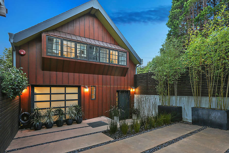 Designer $2.1 Million Barn Back on the Market, Listed for $140K Less