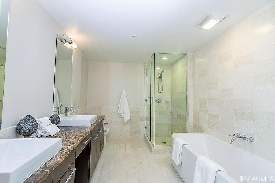 631 Folsom Street #PHD Bath