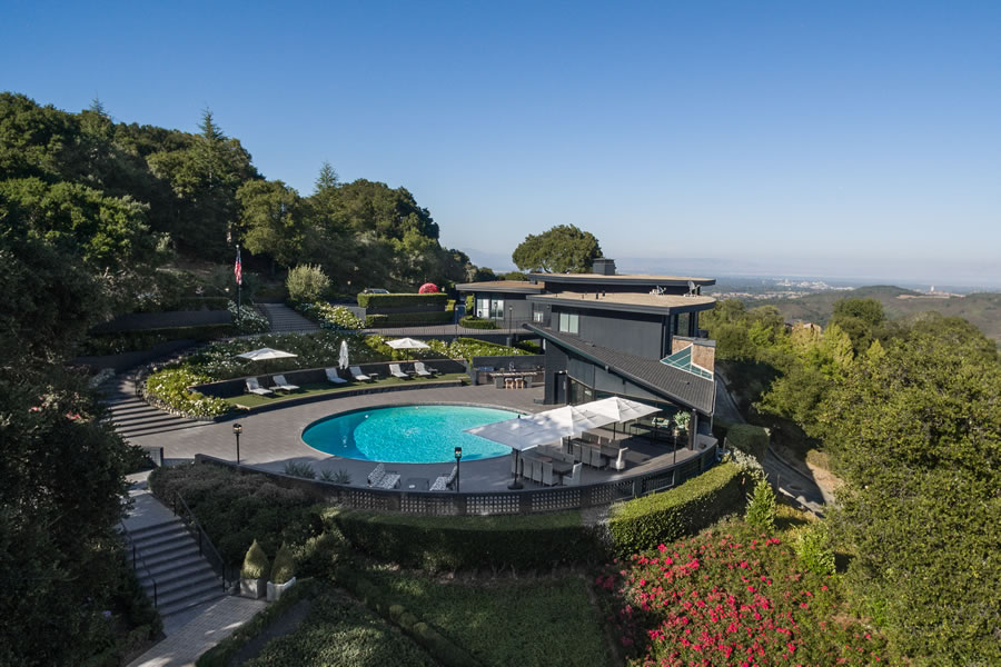 Former Yahoo Exec's Perch Fetches 54 Percent of Original Price