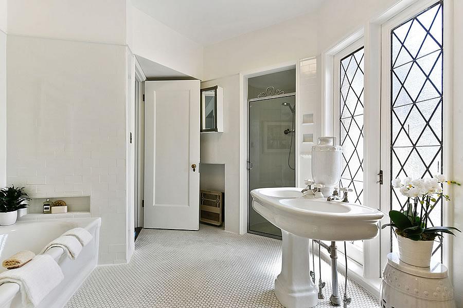 3500 jackson Street Bath