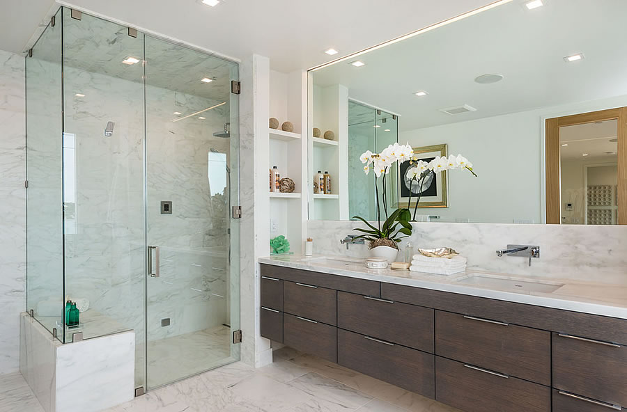 1644 Diamond Street - Shower