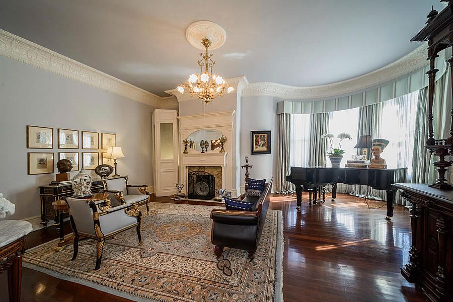 1701 Franklin Street Formal Living