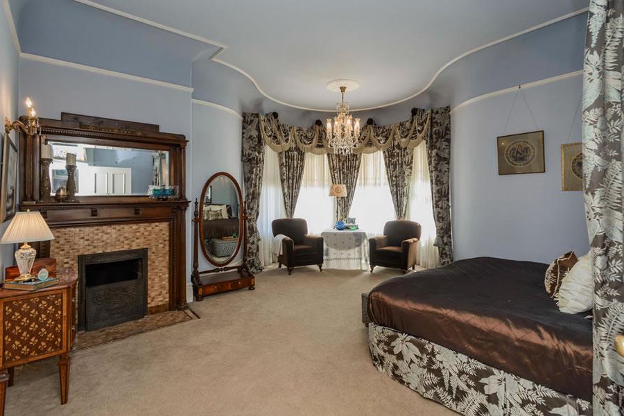 1701 Franklin Street Master Bedroom