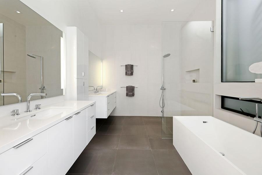 948 Hampshire Street Master Bath