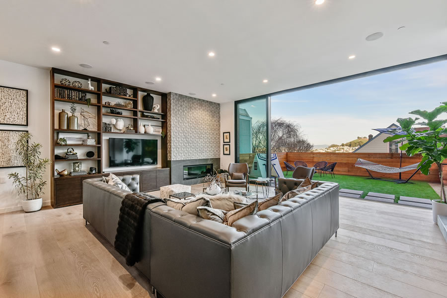 1783 Noe Street - Family Room and Yard