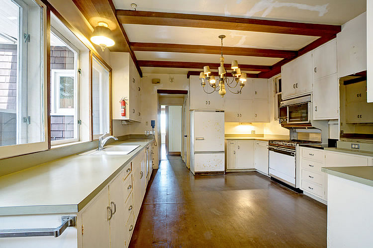 3515 Pacific Avenue Kitchen