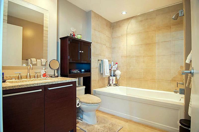 425 1st Street #4404 Bath