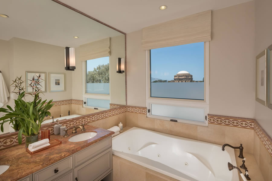 2622 Chestnut Street - Master Bath View