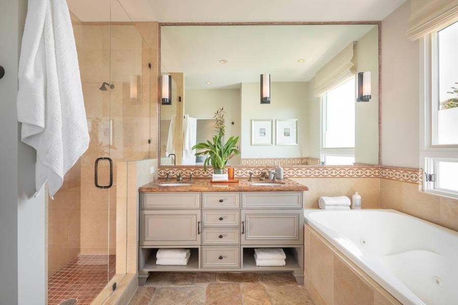 2622 Chestnut Street - Master Bath