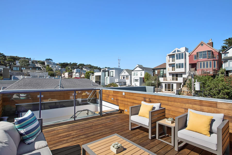 525 28th Street 2018 - Roof Access