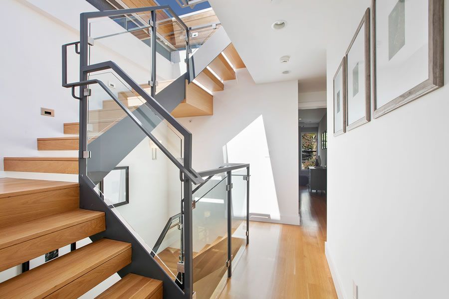 525 28th Street 2018 - Stairs