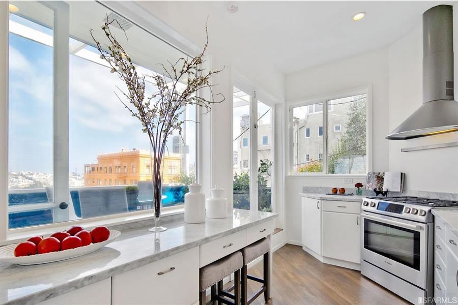 1116 Greenwich - Kitchen View