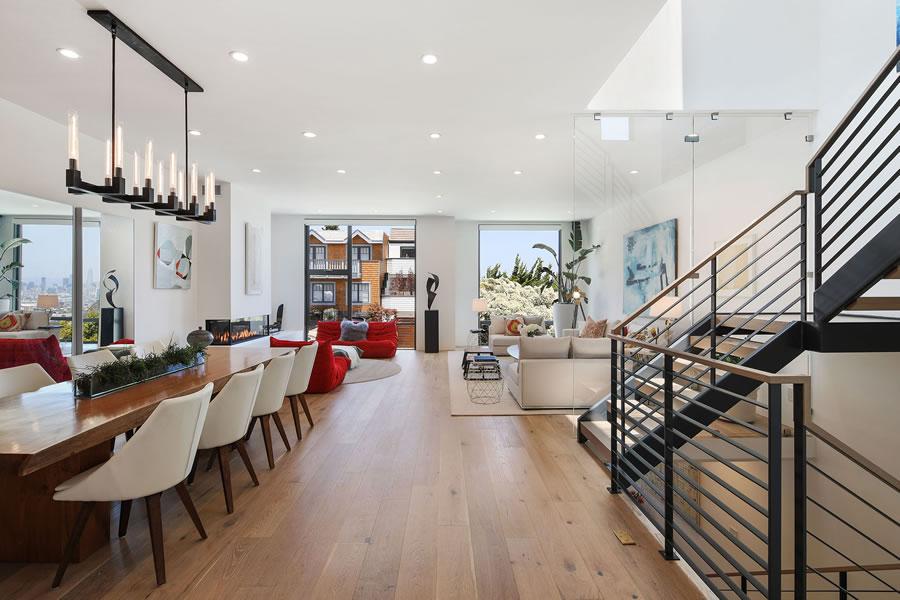 725 Duncan Street - Living