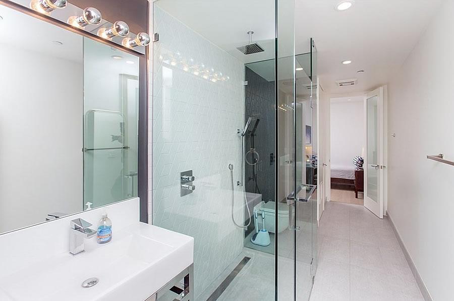 1875 Mission Street #411 Bathroom