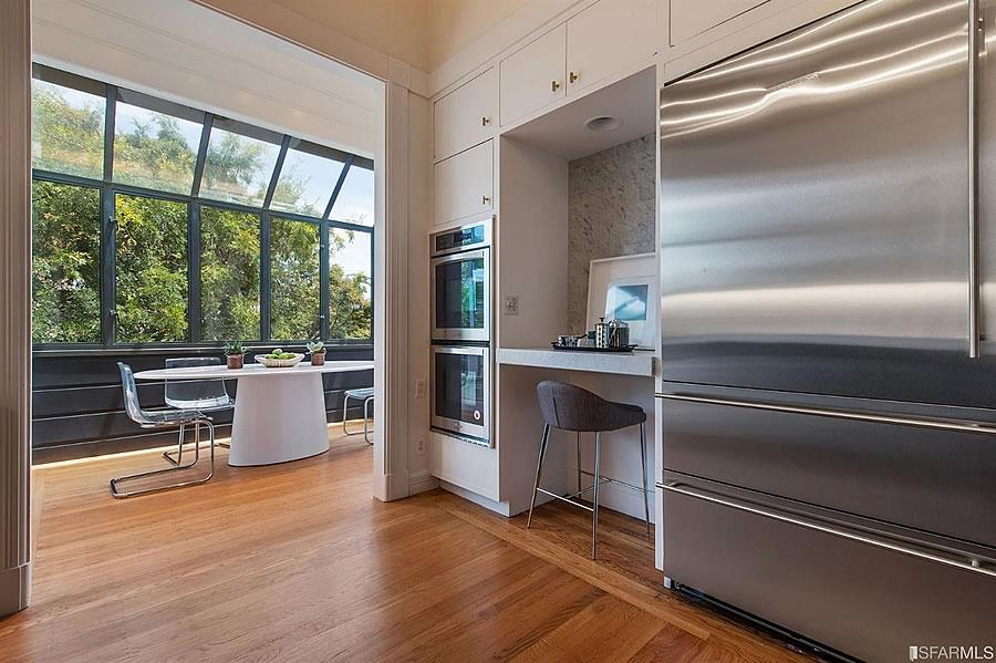 2500 Leavenworth Kitchen Reverse