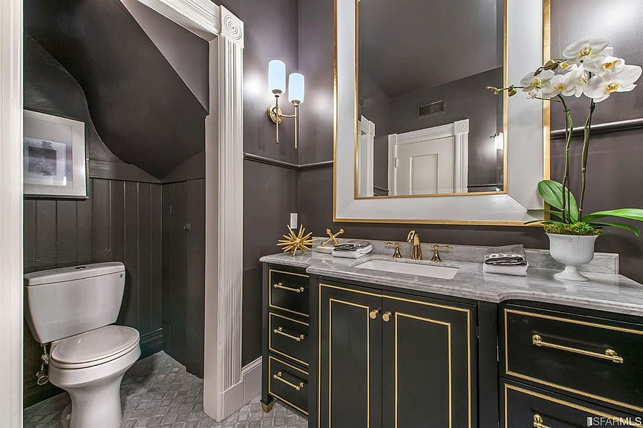 2500 Leavenworth Powder Room
