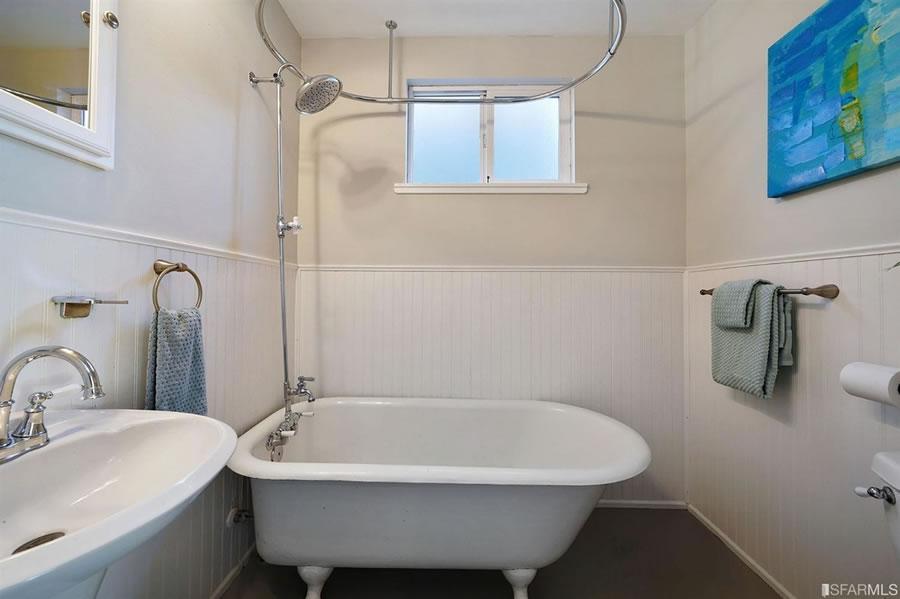 430 Nevada Street - Bathroom