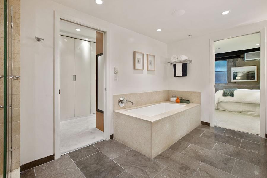 560 Haight Street #106 Bath