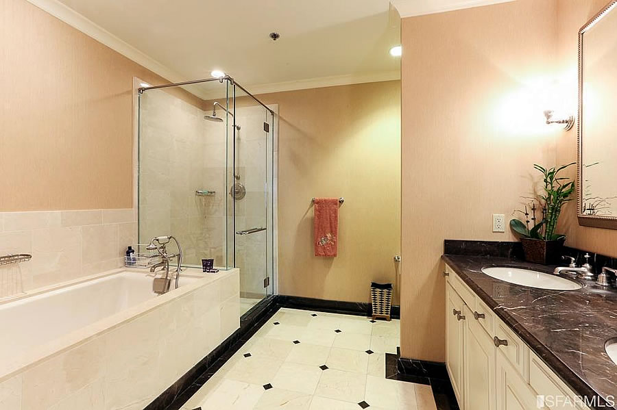 690 Market #2101 Bathroom