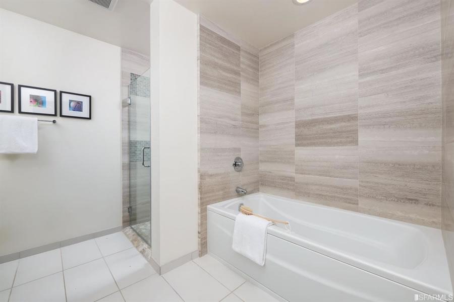 72 Townsend #502 Bathroom