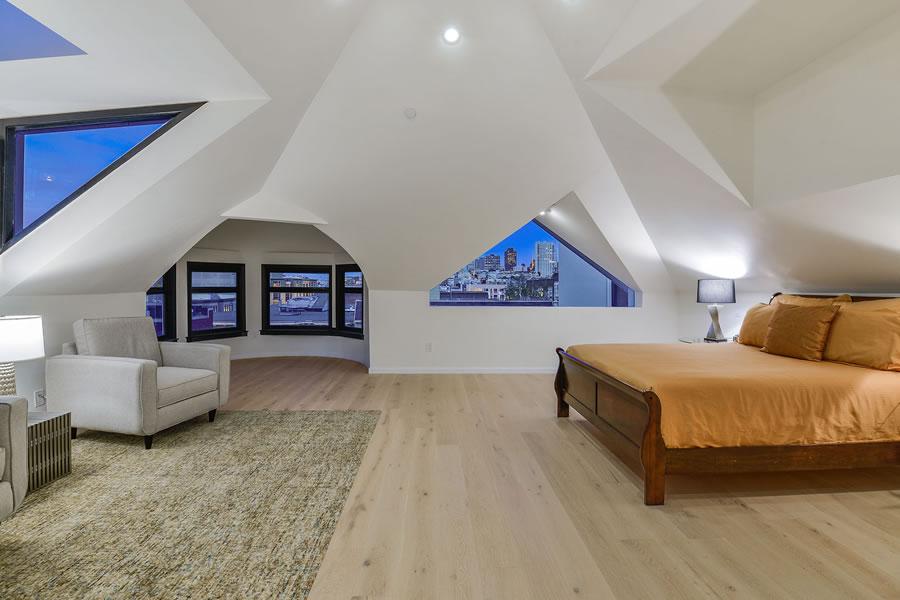 1945 Franklin 2018 - Top Floor Bedroom