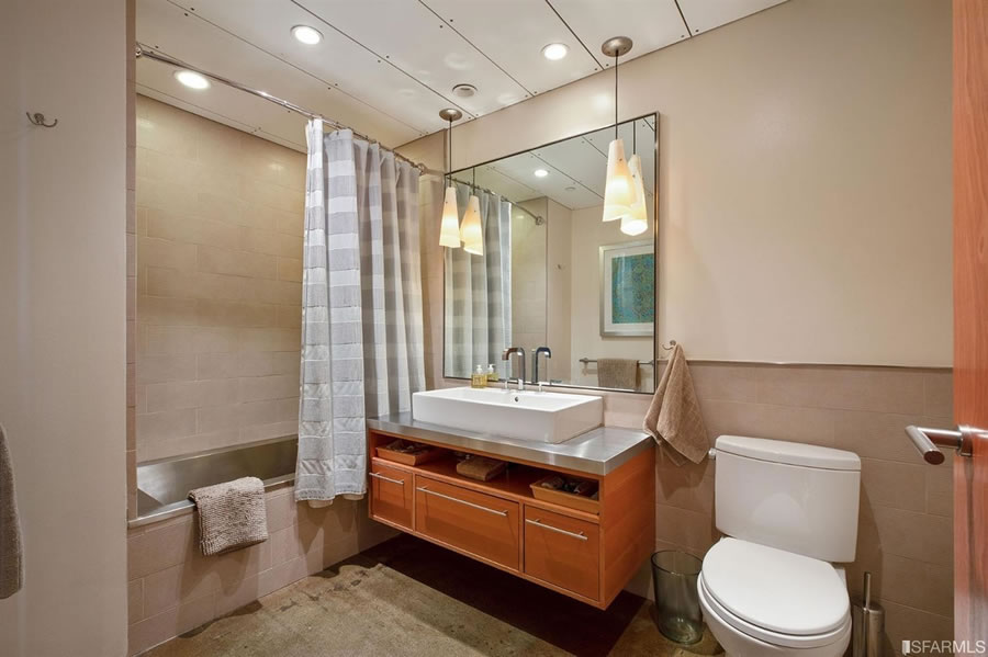 2 Mint Plaza #902 - Bath