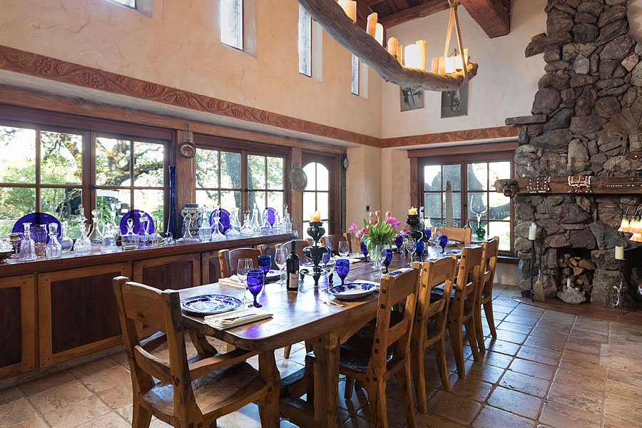2460 Sage Canyon Road - Dining