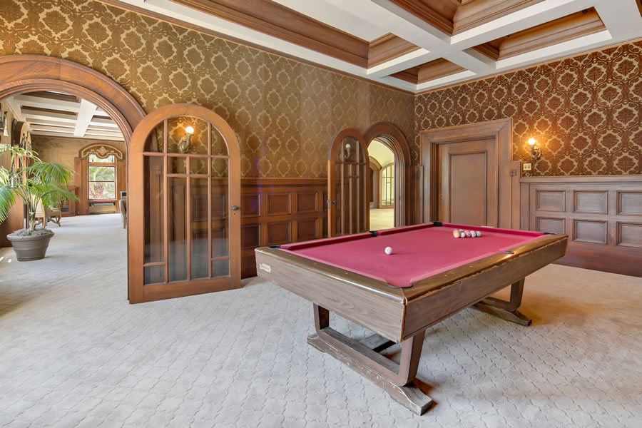 1960 San Antonio Avenue - Billiard Room