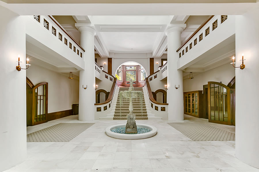1960 San Antonio Avenue - Entry Hall