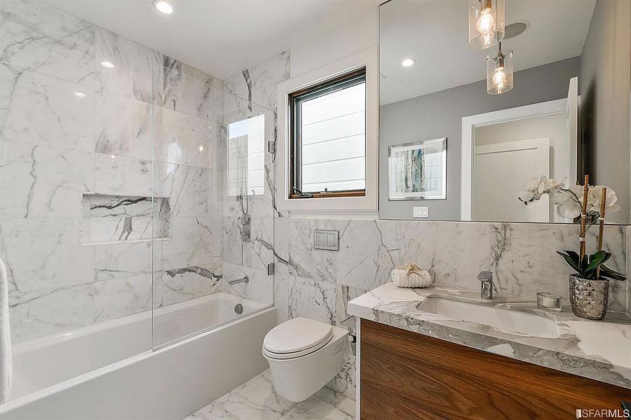 478 Anderson Street - Bathroom