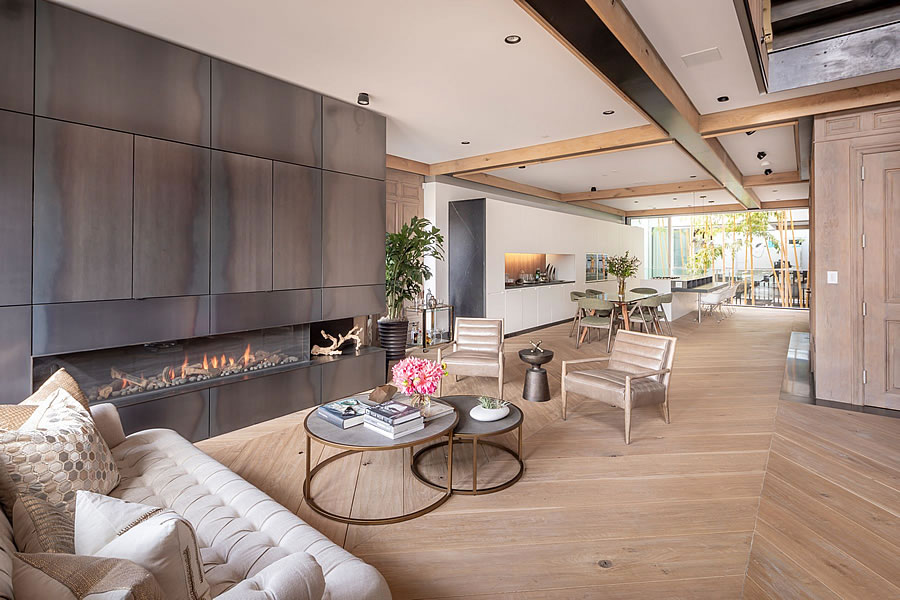 3847 18th Street Living Room
