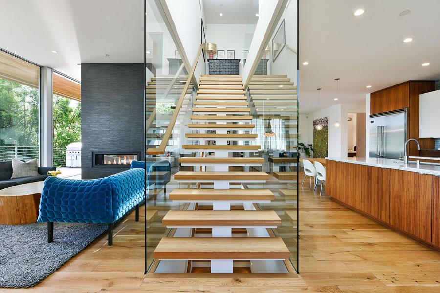 6226 Acacia Avenue - Stairs