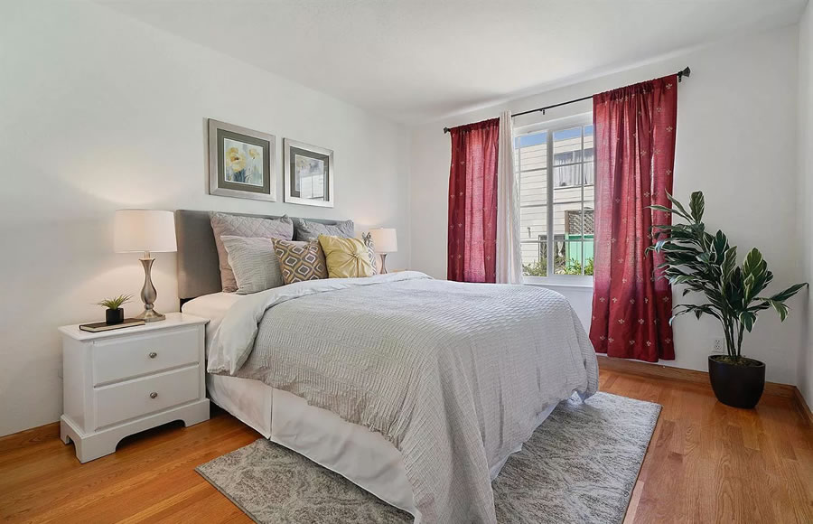 738 Banks Street - Bedroom
