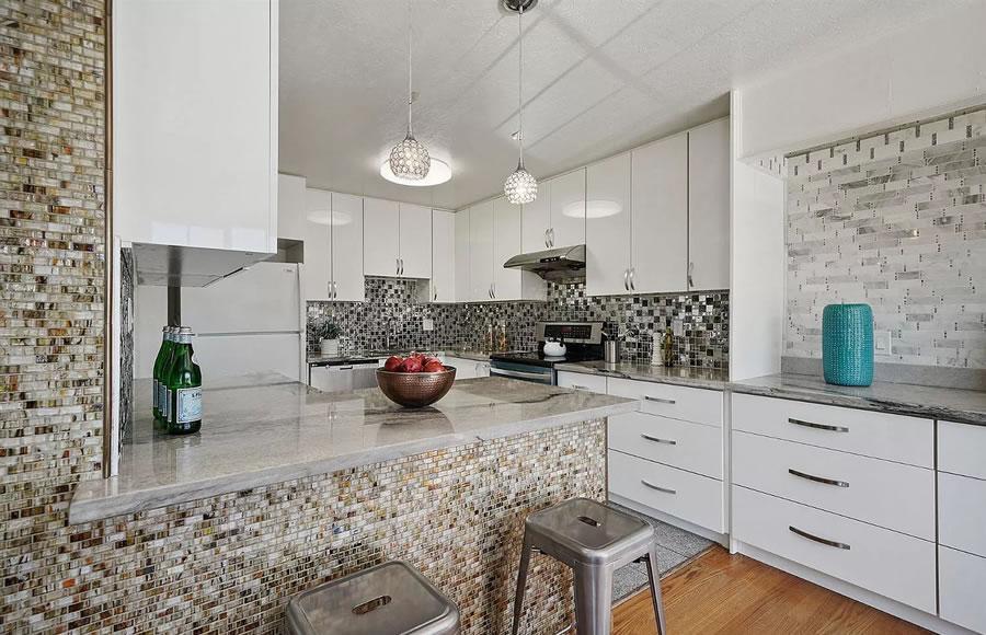 738 Banks Street - Kitchen
