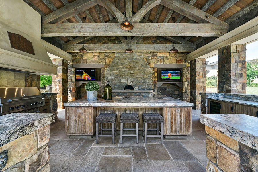 7 Country Oak Outdoor Kitchen Day