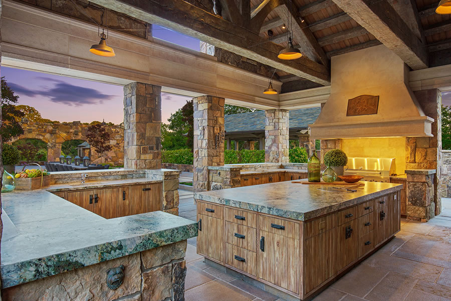 7 Country Oak Outdoor Kitchen